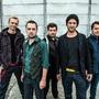 Dobrý zprávy šíří kapela O5 a Radeček a zpěvák Voxel bojuje s nimi proti blbé náladě