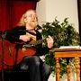 Koncerty Jaroslava Hutky v Sázavském klášteru se spíš blíží obřadům