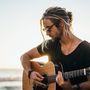 Jihoafrický písničkář Jeremy Loops odstartuje podzimní turné v Praze