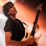 Fascinující kytarista Steve Vai odehrál výjmečný klubový koncert v pražském Lucerna Music Baru