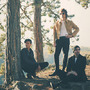 Sunflower Caravan lákají na album druhým singlem Alright